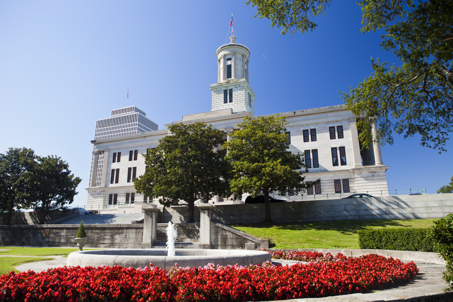 o-TENNESSEE-STATE-CAPITOL-facebook