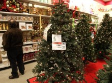"""Sears Restores """"Merry Christmas"""" Signs After Protests"""