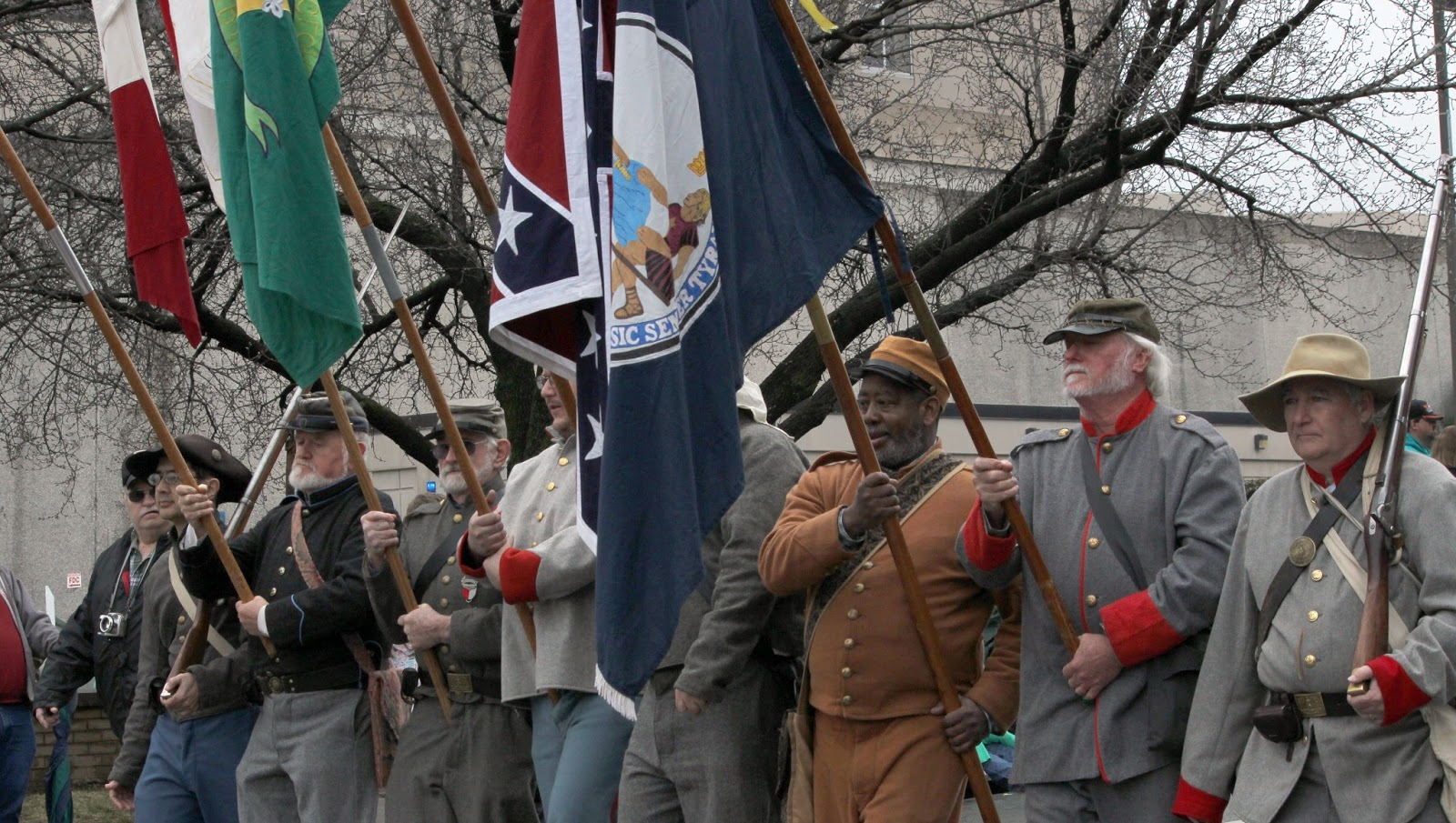 Confederate Flags in Christmas Parades the New Racist Issue with Christmas